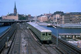 Klicka på bilden för en större version.  Namn:Stockholm Tbana train.jpg Visningar:83 Storlek:100,9 KB Id:51175